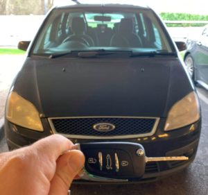 Ford C-Max all keys lost. New 3 button remote key cut and programmed