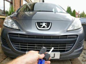 Peugeot 207 spare manual key.