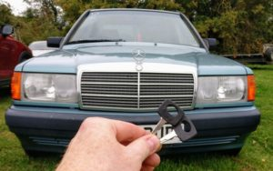 1991 Mercedes 190E lost all keys. After pick the door lock cut 2 keys and the car start because in this year no immobiliser system in this car.