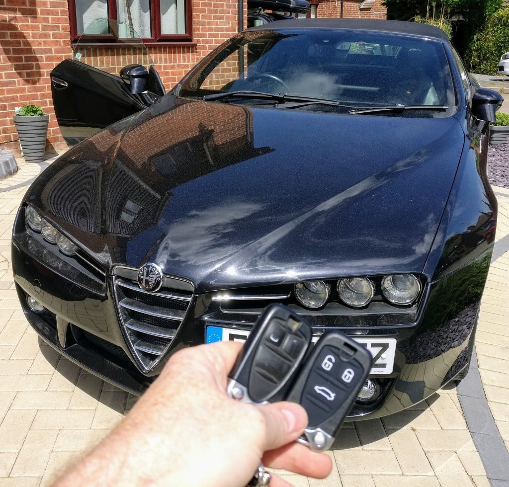 Alfa Romeo Spider new remote key programmed for spare key.