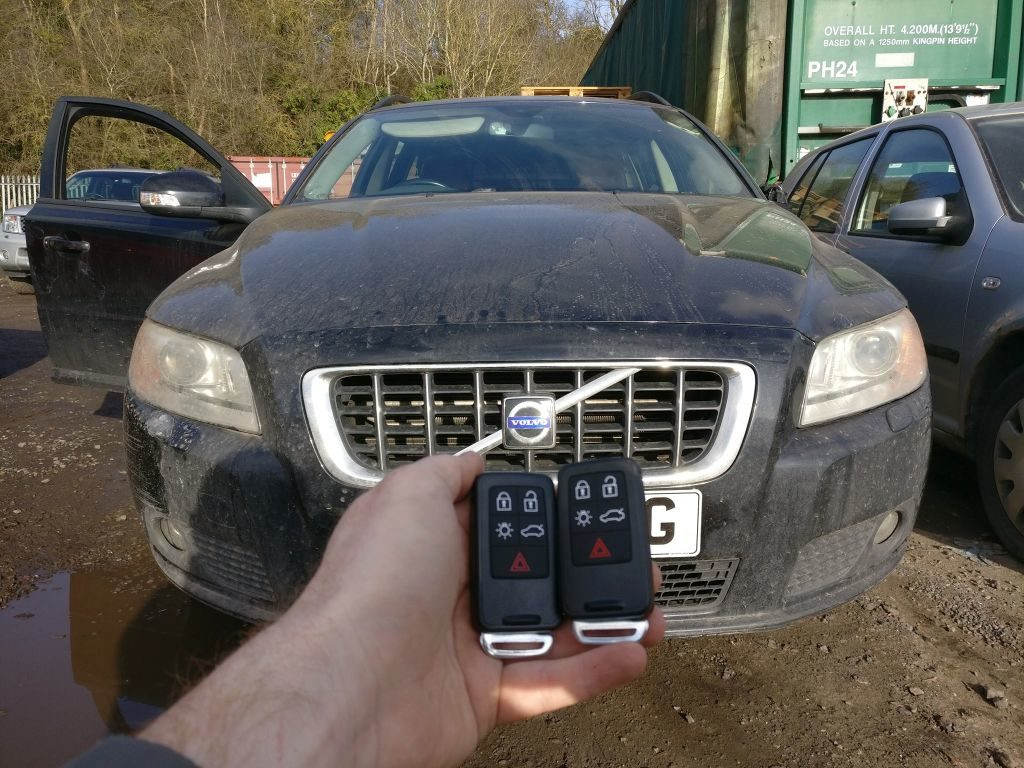 Volvo V70 lost all keys. 2 keys programmed and emergency key blade cut.